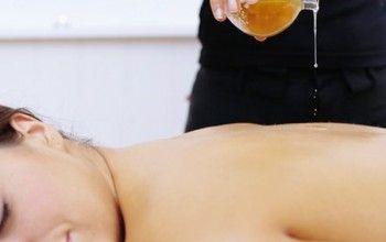 Розтирання тіла соком алое