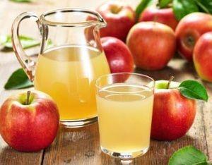 Свіжовичавлений яблучний сік: користь і шкода, калорійність, склад, рецепти на зиму