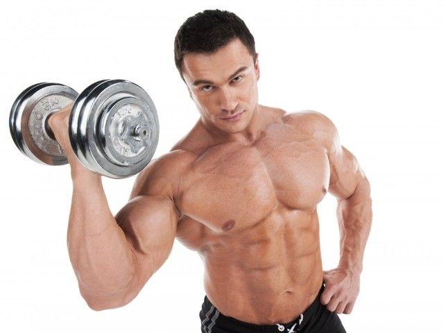 Силова ранкова зарядка для чоловіків